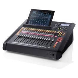32-Channel Live Digital Mixing Console